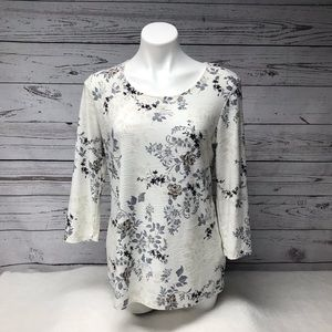 Woman's blouse with beautiful print.